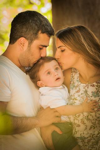 צילום תינוקות בטבע עם ההורים