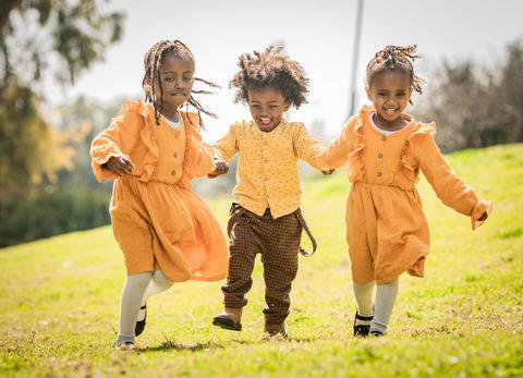 צילום משפחתי ילדים רצים