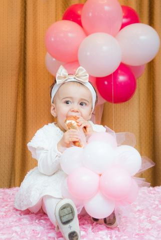 צילום תינוקות באירוע בנות