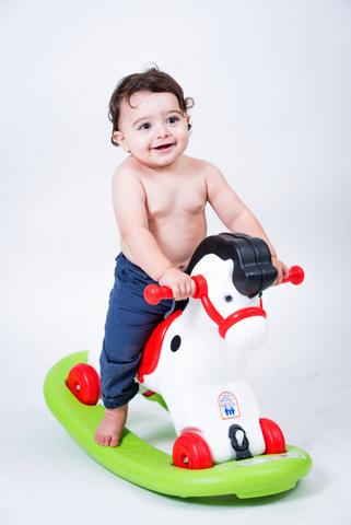 צילום תינוקות בסטודיו - אביב