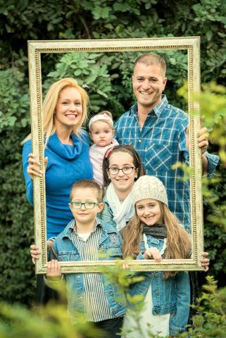 צילומי תינוקות עם כל המשפחה